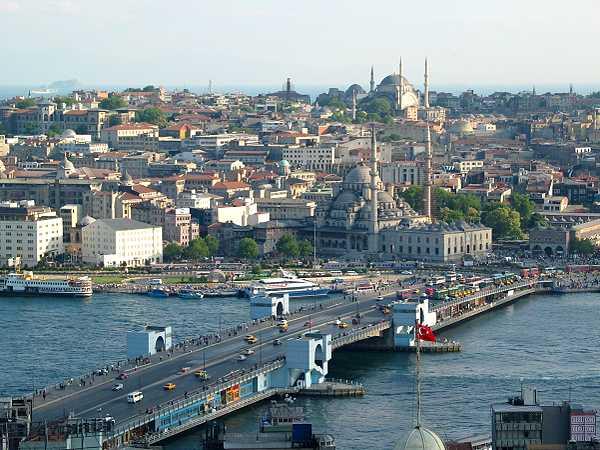 د استانبول ښار - ترکیه